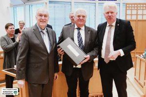 Der CDU-Fraktionsgeschäftsführer Manfred Jostes (Bildmitte) geht mit 65 Jahren in den Ruhestand.