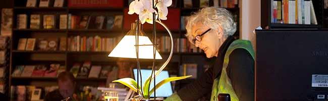 Ein Krimi rund um den Kunstbetrieb in Dortmund: Astrid Petermeier las aus ihrem ersten Buch bei Litfass vor