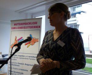 """Auch Dr. Nina Pohl richtete das Wort an die Gäste und stellte das Projekt """"Willkommen Europa"""" näher vor."""
