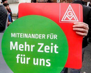 Warnstreik der IG Metal in Hagen. Foto: Oliver Schaper.