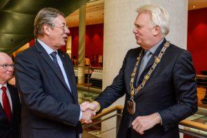 Auch Amtsvorgänger Dr. Gerhard Langemeyer gehörte zu den Gästen von OB Ullrich Sierau.