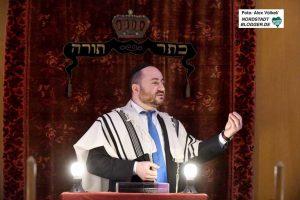 Der Dortmunder Rabbiner Baruch Babaev in der Aaltener Synagoge. Fotos: Alex Völkel