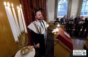 Das Geschwür des Antisemitismus bedroht die jüdische Kultur schon seit Jahrtausenden. Die Ausstellung beschäftigt sich mit der Frage, warum es aktuell wieder in vielen unterschiedlichen Nationen und Kulturen wuchert. Foto: Alex Völkel