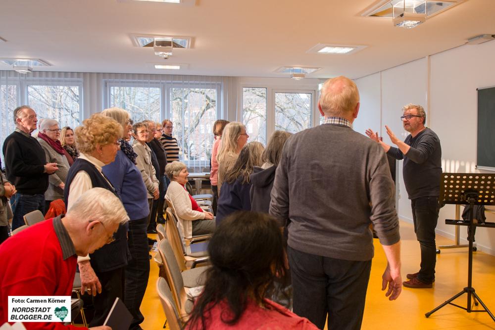 Dementi-Chor in Dortmund unter der Leitung von Jürgen Kleinschmidt, stellvertretender Leiter des Wilhelm-Hansmann-Hauses