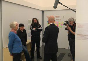 Jonathan und Brigitte Meese im Gespräch mit Edwin Jacobs (Direktor des Dortmunder U) und Nicole Grothe (Leiterin der Sammlung des Museums Ostwall im Dortmunder U)
