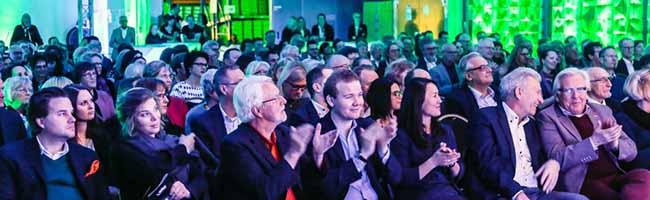 Bunte Tafelbühne in der Atlas-Schuhfabrik: Benefizabend für die Tafel Dortmund erbrachte 9550 Euro Spendenerlös