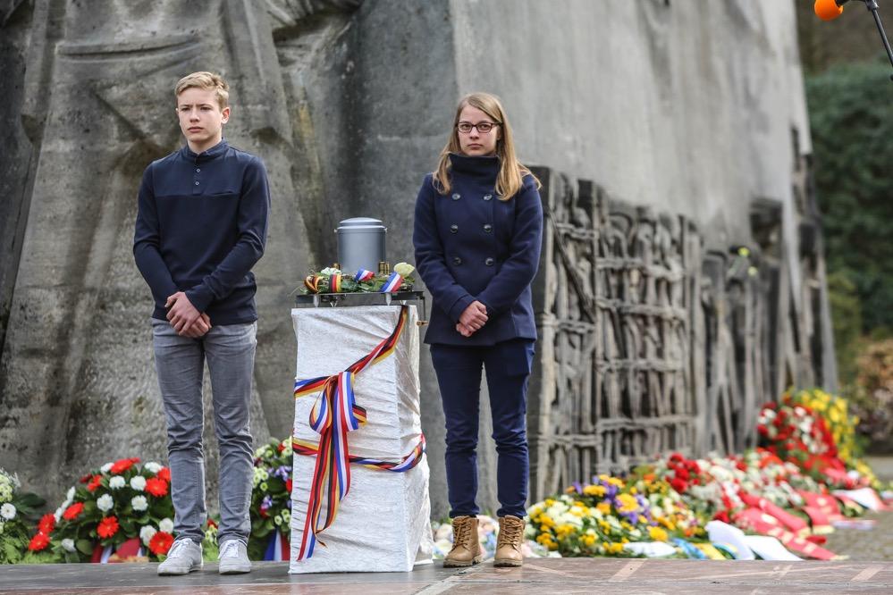 Es ist ernst gemeint. Das junge Europa sagt: Nie wieder Faschismus, nie wieder Krieg! Fotos: Oliver Schaper