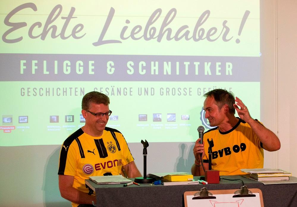 Frank Fligge und Gregor Schnittker für zwei Auftritte erneut ins Literaturhaus. Das Erfolgsduo hat 2017 bereits mehrfach schwarzgelbe Fans vor ausverkauftem Haus begeistert