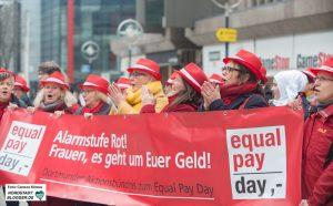 Die Frauen machen Lärm für ihre Rechte. Die Frauen machen Lärm für ihre Rechte.