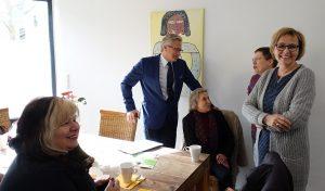 Herr Krause im Gespräch mit Birgit Zörner