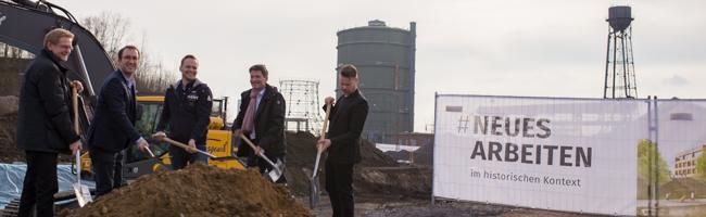 Der erste Spatenstich ist getan – die Bagger rollen auf der Baustelle des Phoenixwerkes in Dortmund