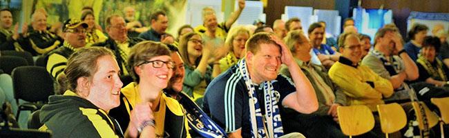 Frotzeln ist ausdrücklich erlaubt: SchalkerInnen und BorussInnen feiern gemeinsam den elften Derbygottesdienst