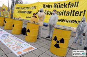 Umweltgruppen wie Greenpeace waren seit Jahren vor den Gefahren. Foto: Alex Völkel