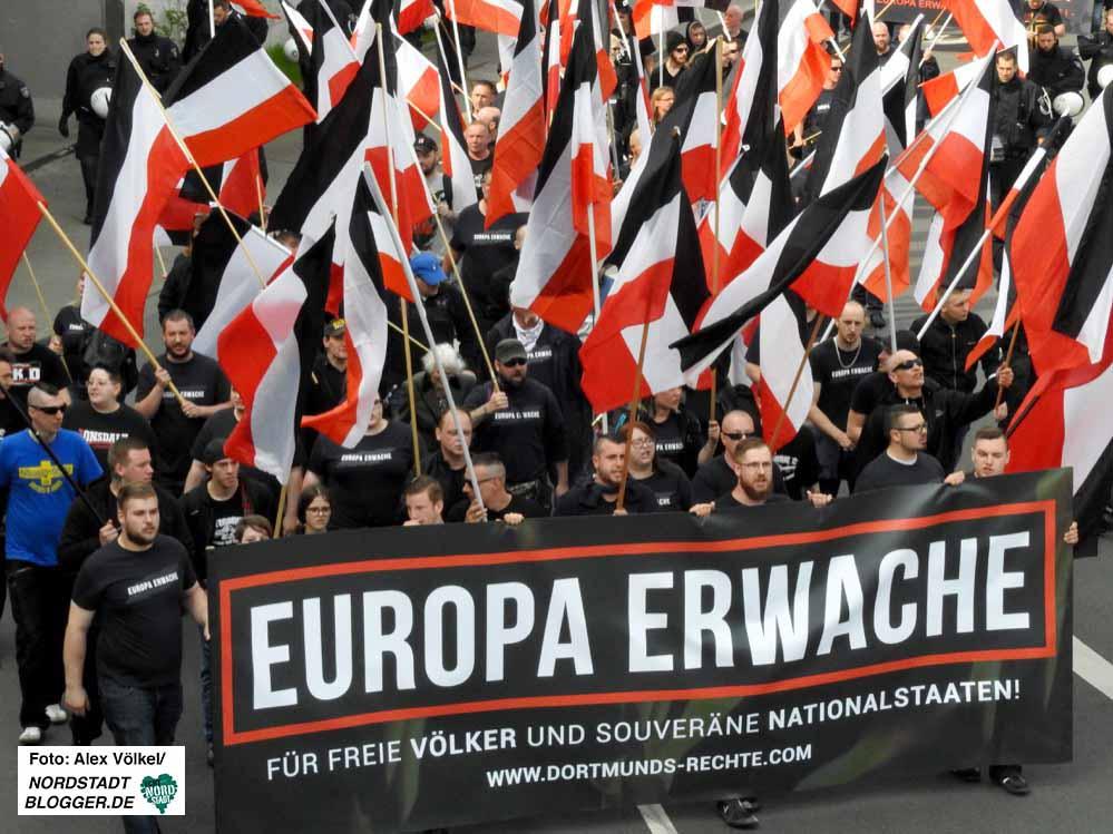 Neonazis aus mehreren Ländern kamen am 14. April 2018 zum Aufmarsch nach Dortmund.