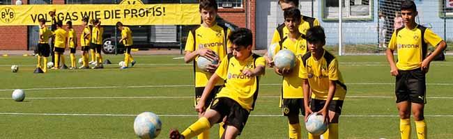 Pfingst-Kicken war ein voller Erfolg – BVB Fußballschule gab professionelles Trainingscamp für Kinder aus der Nordstadt