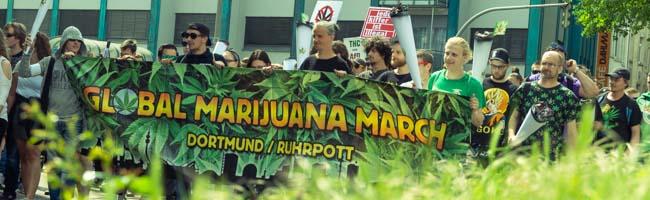 FOTOSTRECKE: Der sechste Global Marijuana March in Dortmund zog friedlich von der City bis in den Hoeschpark