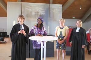 Carola Theilig im Gespräch mit Marie Chantal Ndjubou, Regine Tews und Birgit Worms-Nigmann über Irrungen und Wirrungen von Sprachen.