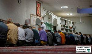 Islam-Seminar und Fastenbrechen in Abu-Bakr-Moschee