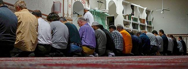 Die Alternativlosigkeit des Dialogs: Christen und Muslime beim Ifṭār (Fastenbrechen) in der Abū-Bakr-Moschee zu Dortmund