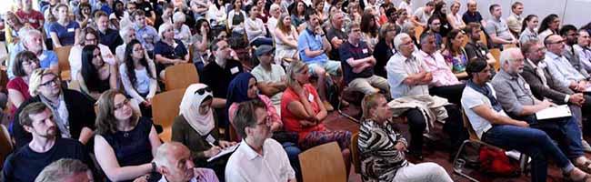 """Integration statt """"nur"""" angekommen: Veränderte Bedarfe der Geflüchteten – Forum in Dortmund diskutiert Perspektiven"""