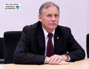 Verhandlung vor dem Amtsgericht Dortmund: Dem ehemaligen Feuerwehr-Chef Klaus Schäfer wird Volksverhetzung und Holocaust-Leugnung vorgeworfen.