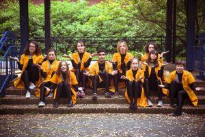 """SchauspielerInnen des Jugendclubs """"Pottfiction"""" vom KJT Dortmund"""