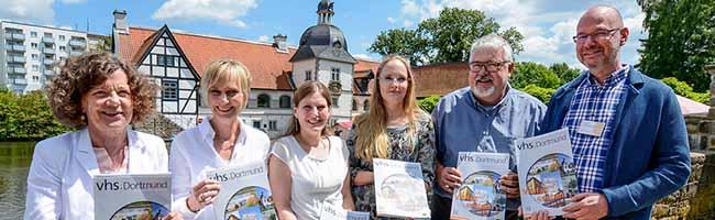 VHS-Programm im 2. Halbjahr: Book-Dating, Baby-Massage und Grubenfahrt bei der Volkshochschule Dortmund