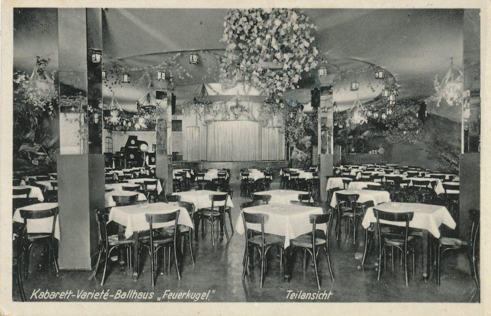 Feuerkugel, Saal mit Bühne Anfang der 1930er Jahre (Slg. Klaus Winter)