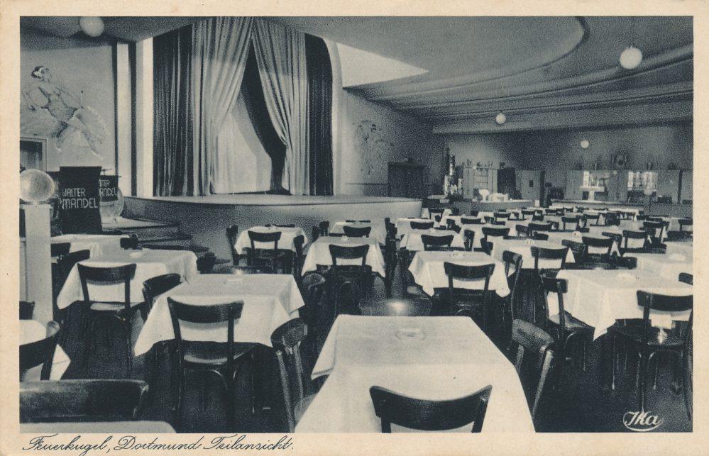 Feuerkugel, Saal mit Bühne um 1940 (Slg. Klaus Winter)