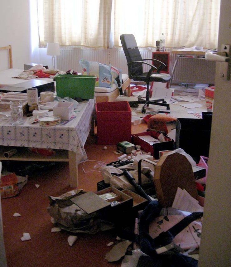 Hinterlassenes Chaos zeugt von Hast und Eile der Räumung. Foto: privat