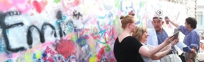 Zufriedene Gäste nach der ersten KulturBusFahrt durch die vibrierende Dortmunder Galerie-, Kunst- und Atelier-Szene