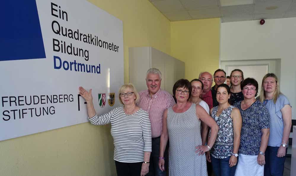 Mitglieder des SPD-Schulausschusses bei der Pädagogischen Werkstatt