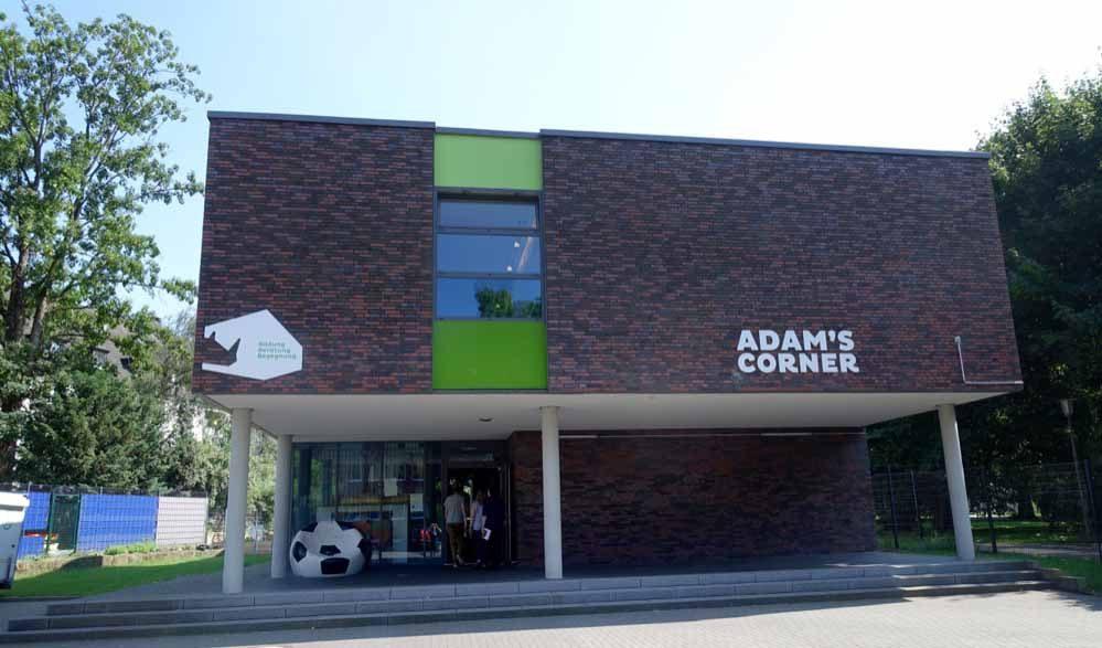Auch ein Angebot für Bildung und Integration am Westpark: Adam's Corner vom Flüchtlingshilfe-Projekt Ankommen e.V.
