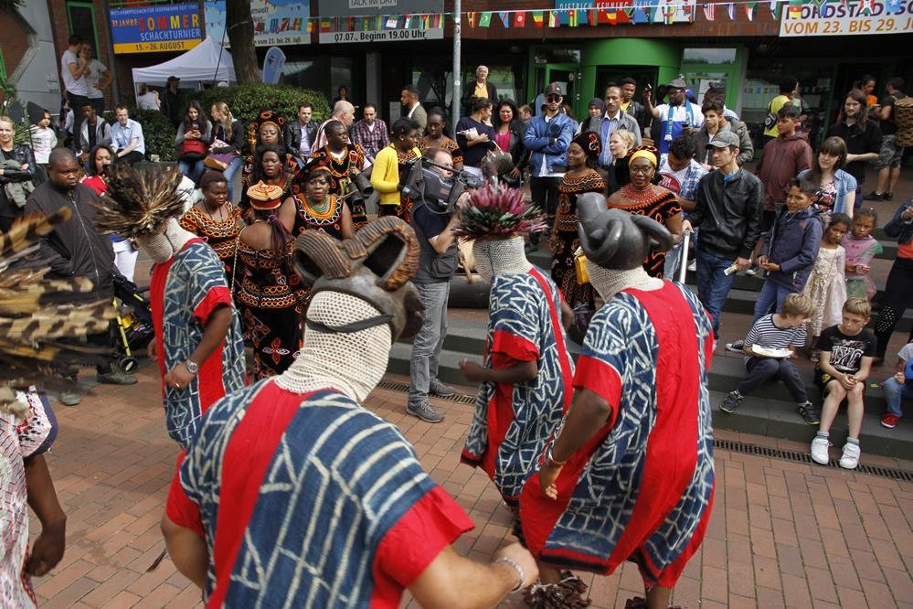 "Traditionelle Tänzer des ""Afro-Ruhr-Festivals"" 2017. Foto: ""Africa Positive e.V."""