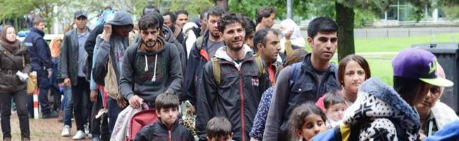 Vielfältige Arbeiten in der Flüchtlingshilfe: Staatssekretärin Serap Güler besucht Flüchtlingsorganisation Train of Hope