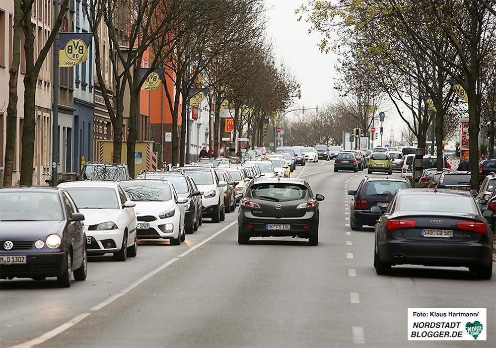 Die Messwerte an der Brackeler Straße (Foto) und der B1 liegen seit Jahren über den zulässigen Grenzwerten. Foto: Klaus Hartmann