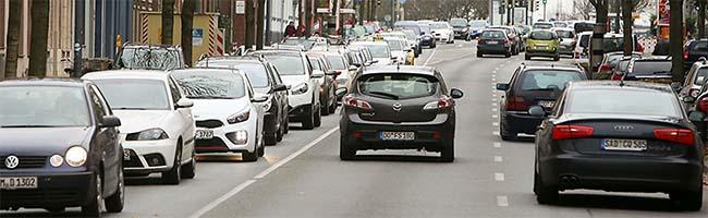 Umweltklage: Stadt macht sich für ein LKW-Fahrverbot auf der B1 statt genereller Diesel-Verbannung in Dortmund stark