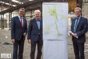 """(von Links:) Thomas Westphal (Wirschaftsförderung), Ullrich Sierau (Oberbürgermeister) und Ludgerwilde (Planungsdezernent) stellen ihre Pläne im """"Emscherschlösschen"""" vor. Foto: Leopold Achilles"""