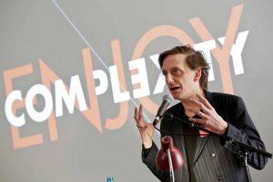 """Eröffnung der Konferenz für Digitalität und Theater """"Enjoy Complexity"""" im Februar 2018 / Auftakt zur Akademiegründung (Foto: Edi Szekely"""