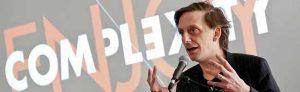 """Schauspieldirektor Kay Voges - Eröffnung der Konferenz für Digitalität und Theater """"Enjoy Complexity"""" im Februar 2018 / Auftakt zur Akademiegründung (Foto: Edi Szekely"""