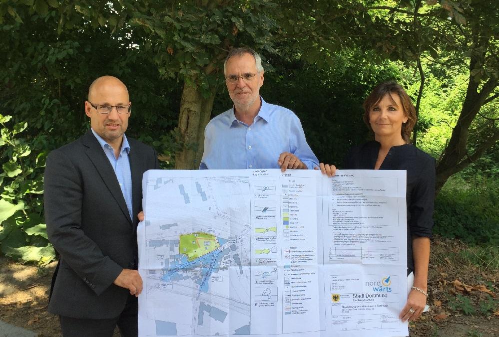 Dr Christian Falk, Dortmunder Stadtentwässerung, Martin Lürwer, Baudezernent, Michaela Bonan, Projekt nordwärts. Foto: Stadt Dortmund