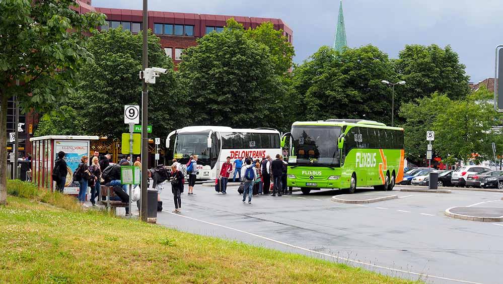 Der Fernbusverkehr belastet die Luft nördlich des Hauptbahnhofs. Fotos: Max Zienau