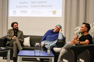 2018.06.22 Dortmund Talk im DKH zu Gast am Helmholz-Gymnasium, v.l. Moderator, Imamin Rabeya Müller un Comedian
