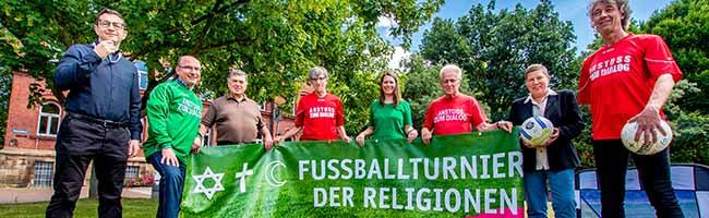 Religiöse Begegnung nach den Regeln des Sports: In Dortmund gibt es das 13. Fußballturnier der Religionen im Hoeschpark