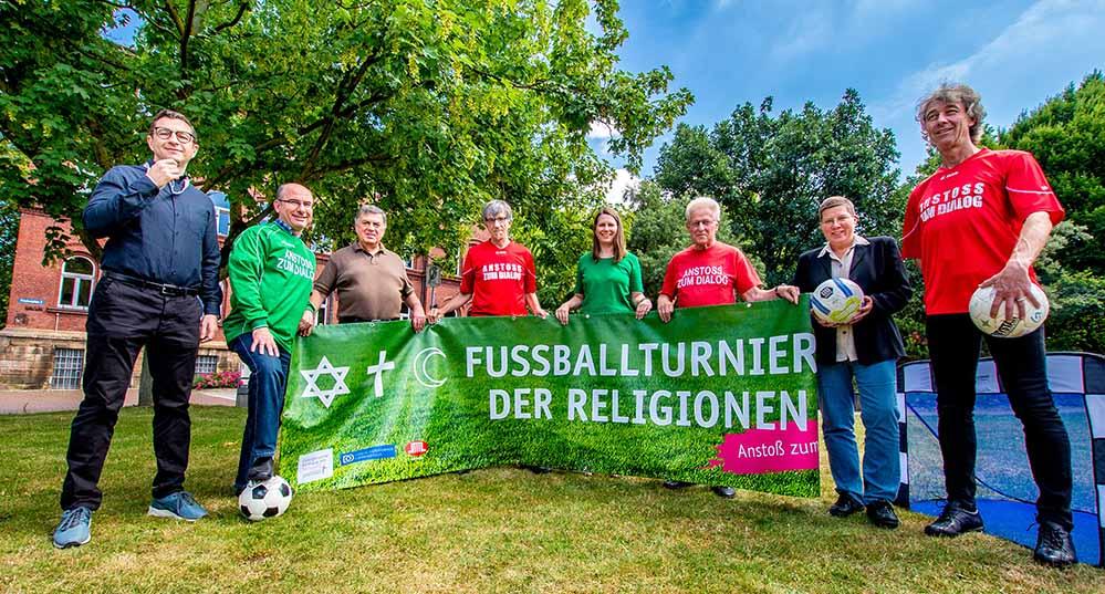 Erstmals findet das Fußballturnier der Religionen zeitgleich zum Hoeschpark fest statt. Foto: Roland Gorecki