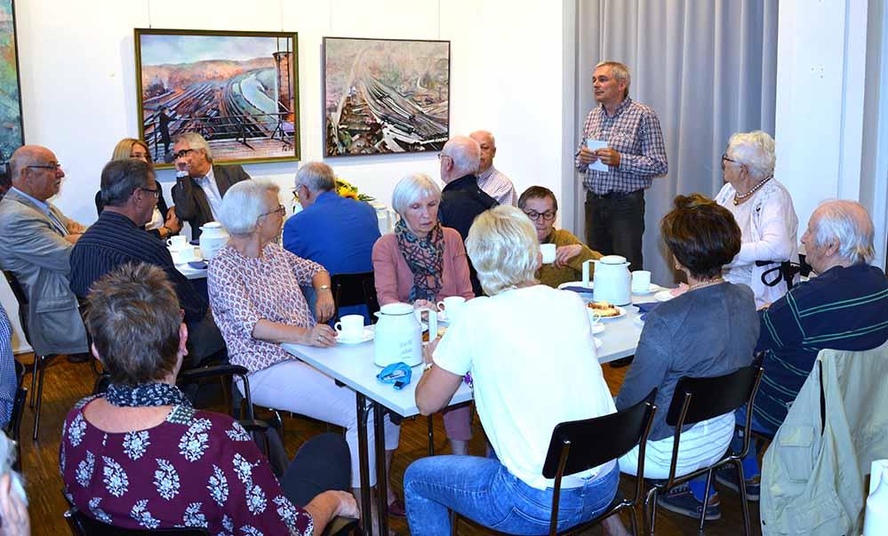 Im Kreis der Ehrenamtliche verabschiedete sich Michael Dückershoff. Foto: Peter Kocbeck