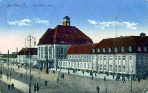 Der Dortmunder Hauptbahnhof steht im Zentrum historischer und aktueller Betrachtungen.