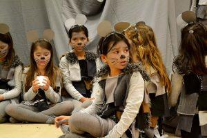 """""""Mats und die Wundersteine"""" ist von der Theater-AG der Friedensgrundschule umgesetzt worden. Foto: Katrin Pinetzki"""