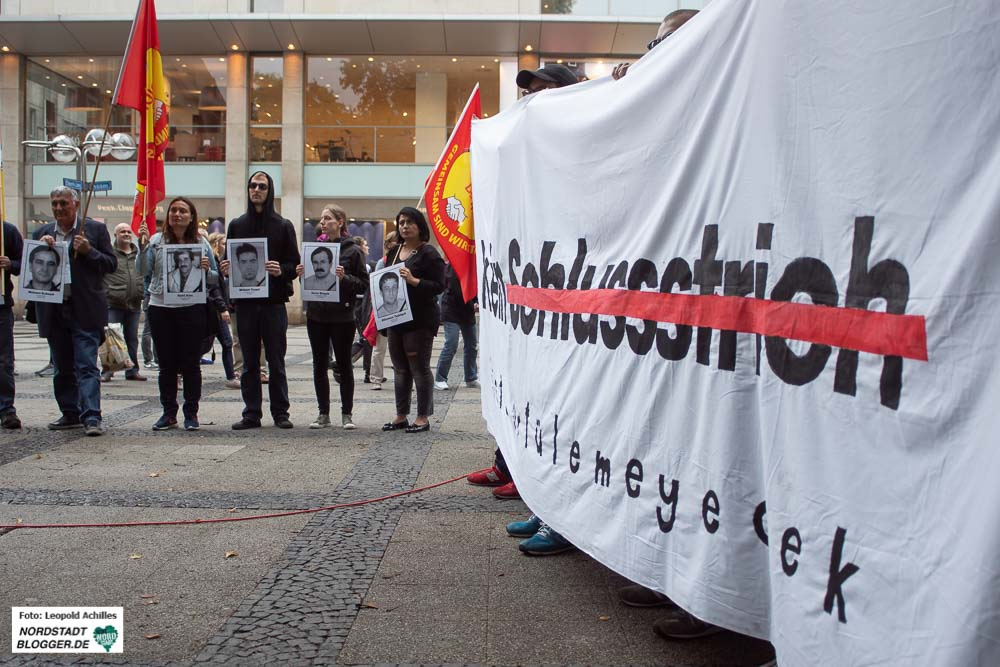 In Dortmund haben rund 400 Menschen eine Fortsetzung der NSU-Aufarbeitung gefordert. Fotos: Leopold Achilles
