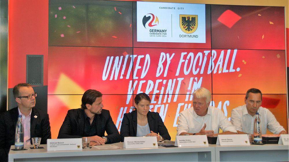 Winfried Busch, Roman Weidenfeller, Annike Krahn, Ullrich Sierau und Dr. Ulrich Potthoff.